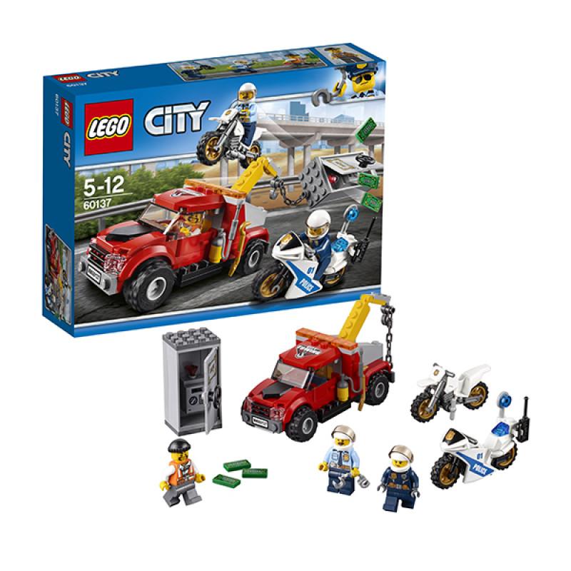 "Конструктор LEGO City Police ""Побег на буксировщике"""