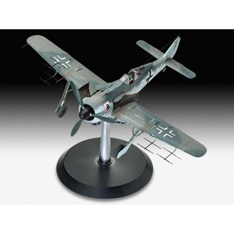 03926 Revell Немецкий истребитель Focke Wulf Fw190A-8, A-8/R11 Nightfighter (1:32)